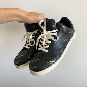 BALENCIAGA Logo Leather Sneakers